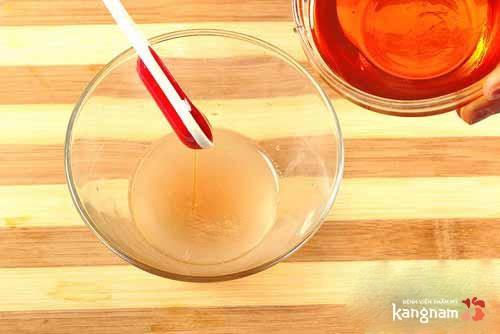 trị sẹo lồi bằng hành tây và mật ong