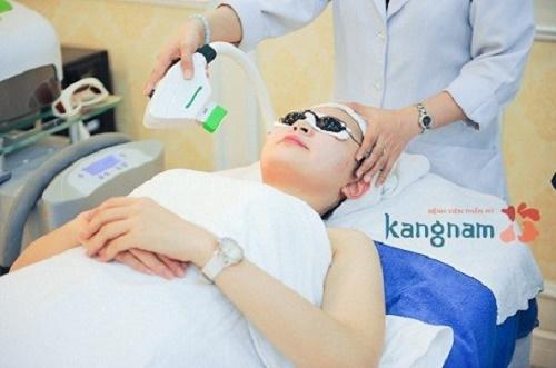 chữa sẹo lồi ở môi bằng công nghệ ánh sáng