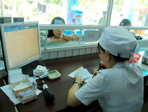khám ở bệnh viện quân dân y miền đông